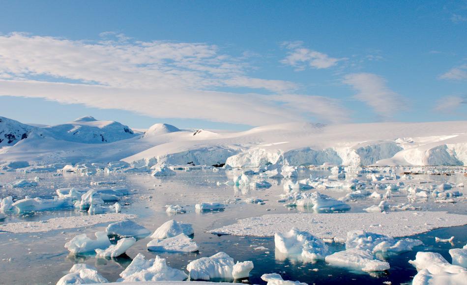 Der grösste Teil der sichtbaren Küstenlinie Antarktikas besteht aus Gletschern, die ins Südpolarmeer fliessen. Das meiste Schmelzwasser fliesst dabei unterhalb der Wasserlinie ins Meer und bleibt gemäss den Forschern auch dort. Bild: Michael Wenger