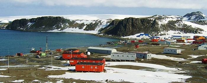 Wegen schlechtem Wetter konnte die russischen Forschungsstation Bellinghausen auf King Georg Island nicht angefahren werden.