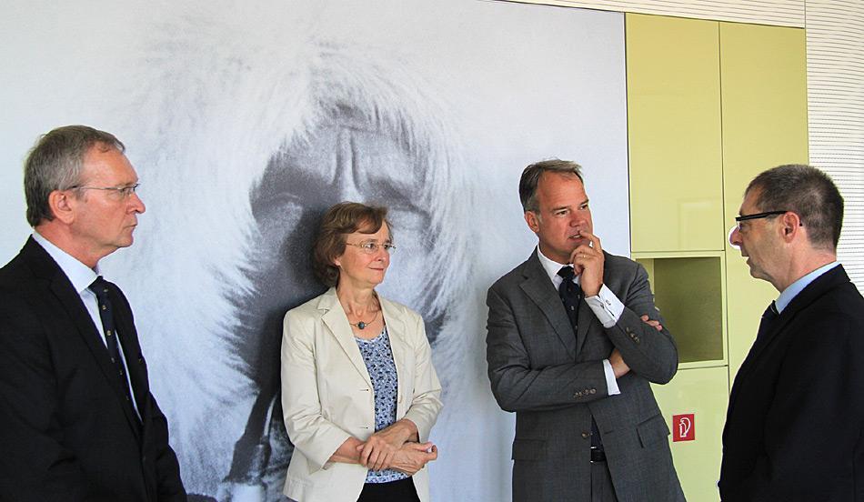 Roland Pallutz, Prof. Karin Lochte, Nikolaus Schües, Dr. Uwe Nixdorf. Foto: Folke Mehrtens, AWI