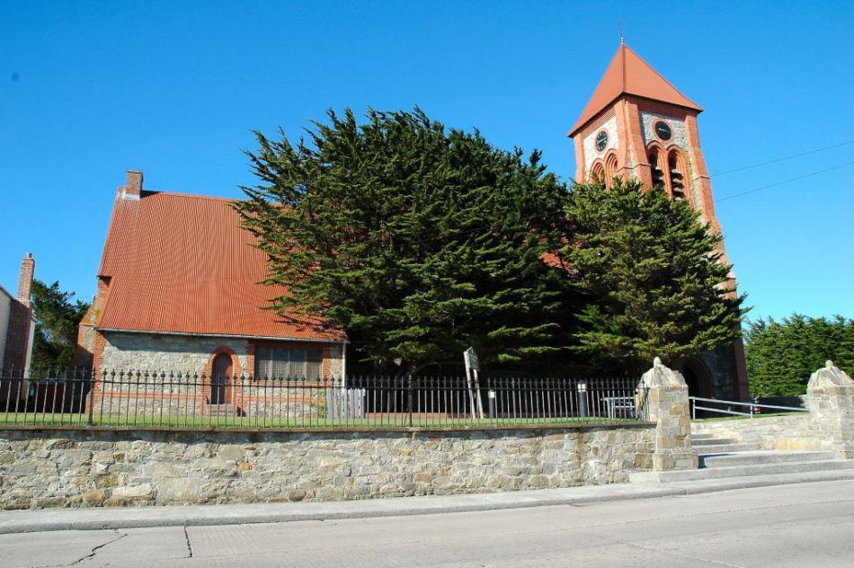Die Christ Church Cathedral in Stanley, Falklandinseln, gilt als die südlichste Kathedrale der Welt. Bild: Michael Wenger