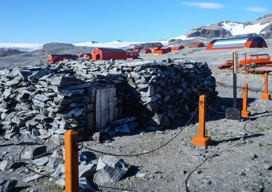 Hope Bay: Die argentinische Esperanza Station in Hope Bay (Foto: Katja Riedel)