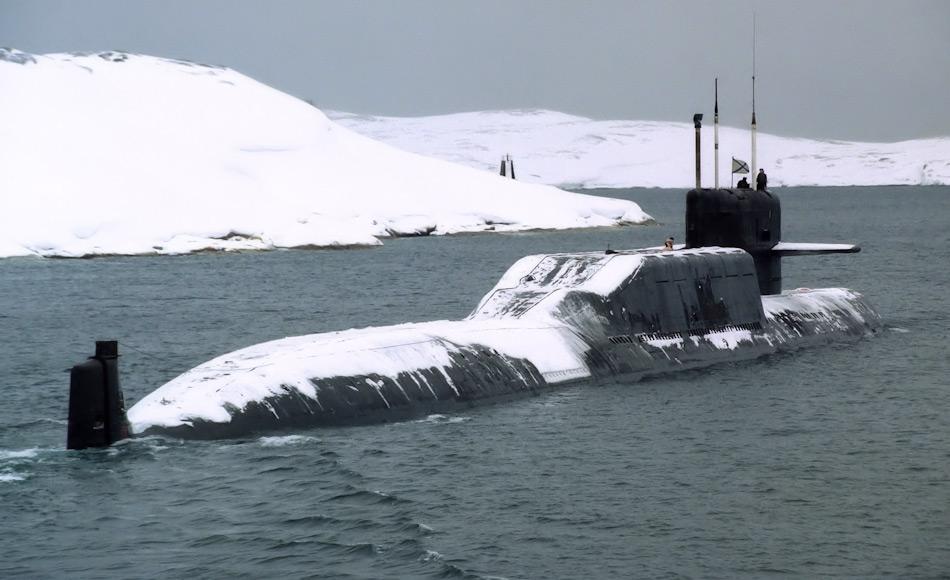 Russland weist eine lange Tradition in der Nutzung von U-Booten in der Arktis auf. Im Laufe der Zeit wurde das Design der Boote immer ausgeklügelter und die U-Boote wurden eistüchtig dank den Köpfen im Central Design Bureau for Marine Engineering RUBIN. Bild: Indiandefence.com