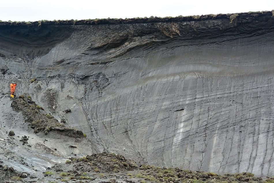 Erosionsklippe von Herschel Island. Einige von ihnen sind bis zu 60 Metern hoch. Bild: Boris Radosavljevic, AWI
