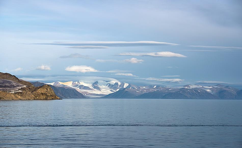 In diesem Jahr war einmal mehr praktisch die gesamte Nordwestpassage frei von Eis, auch der Eingang im Lancaster Sound. Daher war der Wasserweg für kleine Jachten und auch grössere Schiffe offen. Bild: Michael Wenger